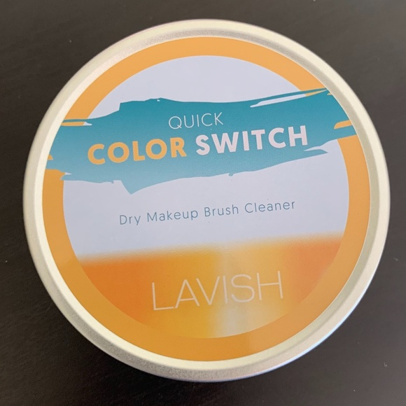 Lavish Quick Color Switch Dry Makeup Brush Cleaner